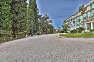 Nizza Cimiez – 2 camere nuovo ultimo piano in borghese palacio