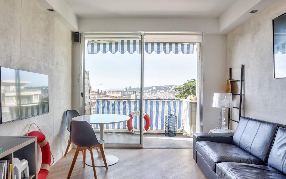 Nice – Coeur Cimiez – Dans résidence luxe magnifique 3 pièces vue mer et jardins : photo 2