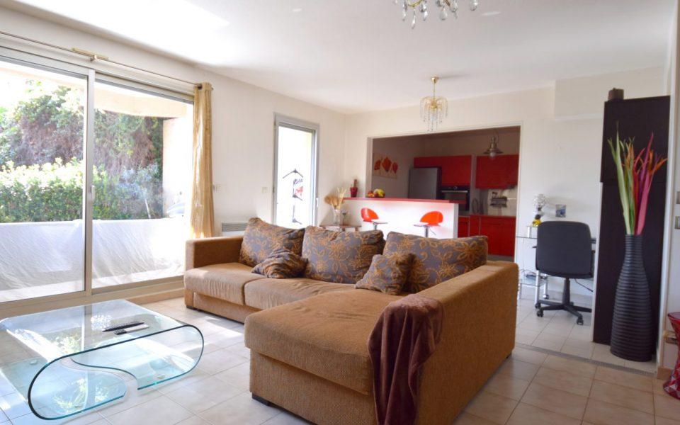 Nice Cimiez magnificent 2 Bedrooms Apartment in Residence With Swimming Pool