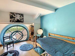 """Nizza Cimiez – """"Duplex de charme"""" di 135 m2 in una residenza neomorfa del XIX secolo."""