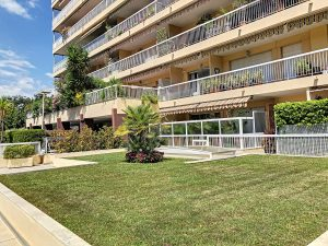 Nice Chambrun – Nice 2 Bedrooms Apartment 92 sqm Sea View in Residence Swimming Pool