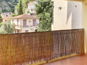 West of Nice – One bedroom apartment with good potential