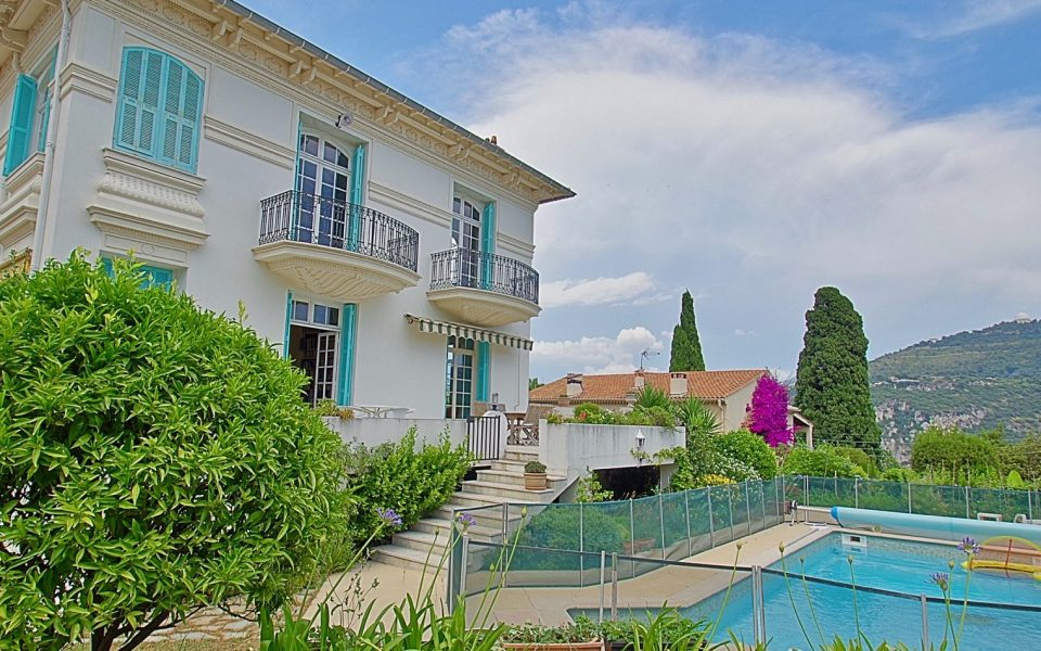 Nice Cimiez – Private Mansion With Swimming Pool – Experiment the Charms of the 1920's