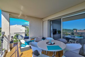 Vence – Beautiful 2 Bedrooms Apartment 73 sqm Last Floor With Terrace