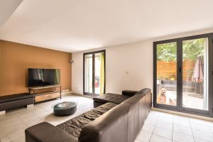 Nice Centre – Spacious and Quiet 2/3 bedrooms Apartment 116 sqm With Terrace 65 sqm