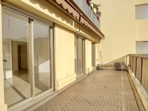Port de Nice – 2 Bedrooms Apartment With Garage and Terrace Fully Renewed