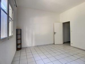 Studio ristrutturato vicino a fac de valrose – 30 m2    (IT)