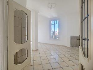 Cimiez Bieckert – Appartamento con due camere da letto di 66 mq