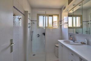 Vence – Beau 3 pièces 73 m² en dernier étage avec terrasse