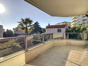 Cimiez – Magnificent 3 Bedrooms 100 sqm – Residence With Swimming Pool