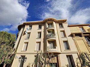 Beaulieu – 3P flat in a small Art Deco condominium