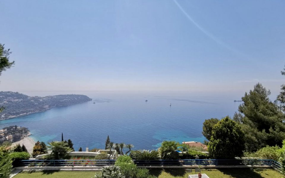 Exceptional sea views at the gates of Monaco, 2 bedrooms 2 baths + guest house : photo 3