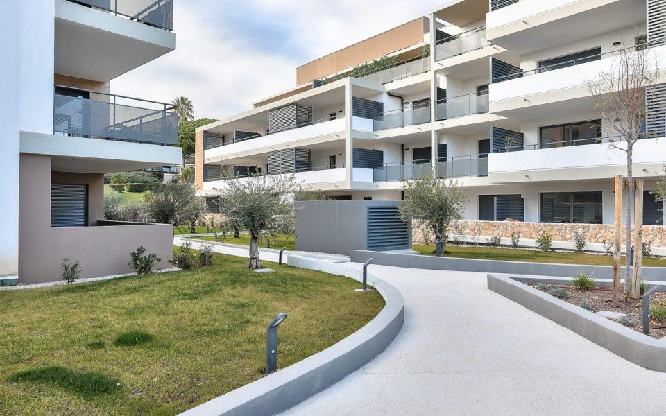 Villeneuve-Loubet – Appartamento con terrazza sul tetto di 4 stanze in una residenza di lusso
