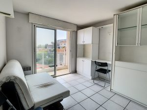 Nice west – Pretty studio with sea and city view – Ideal for investors