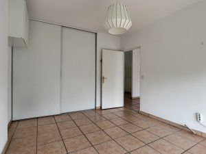 Pleasant 2 bedroom apartment in the recent residence