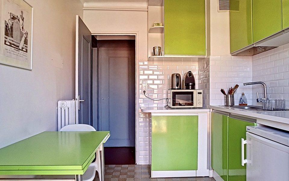 Vieux-Nice – Studio meublé 29 m² – Balcon et vue dégagée : photo 3