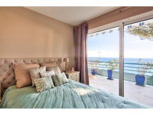 Vue mer exceptionnelle aux portes de Monaco, 2 chambres 2 salles de bains et guest house