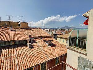 Vieux-Nice – Studio meublé 29m² – Balcon et vue dégagée