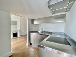 Nice Cimiez – Très beau studio 32,45 m² avec mezzanine 10 m2 dans un Palace